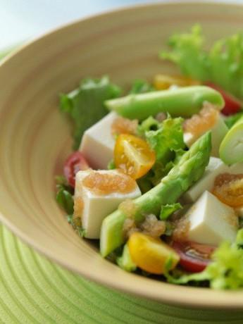 Салат со спаржей фото
