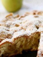 Шарлотка с яблоками - простой рецепт