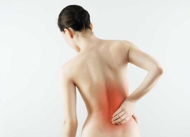 Боли с правой стороны под ребрами сзади в спине