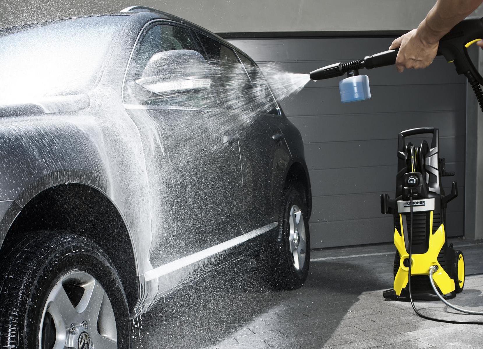 Помыть машину своими руками на автомойке