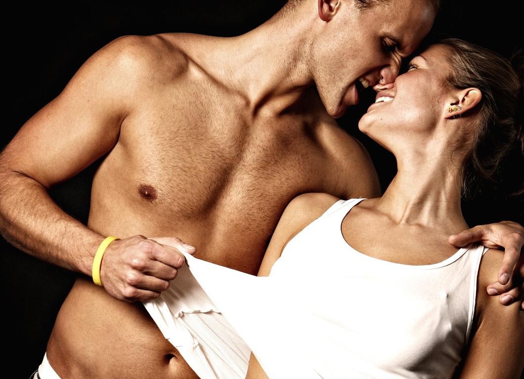 zhesti-seksualnoy-zainteresovannosti-u-muzhchini