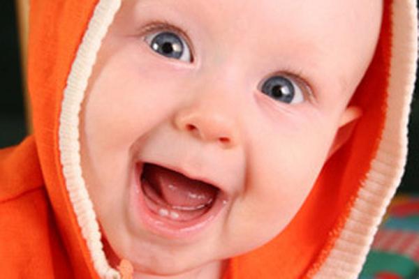 Режутся первые зубки: терпеливо наблюдать или активно ...
