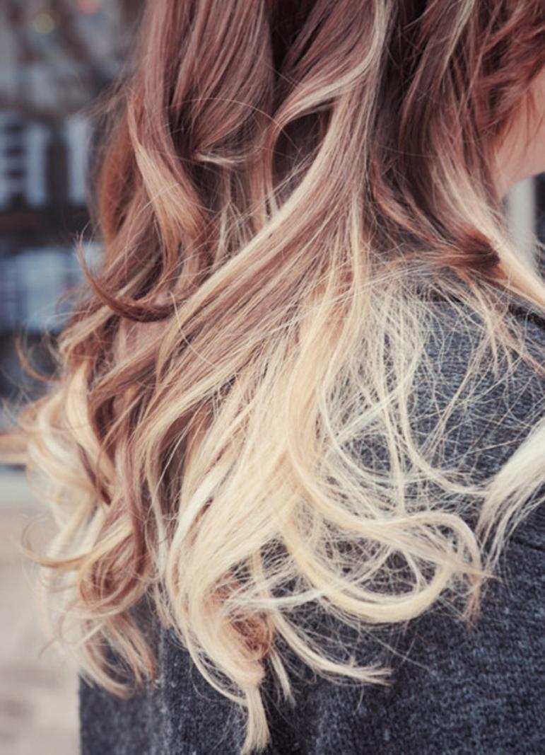 Фото девушек с осветленными кончиками волос