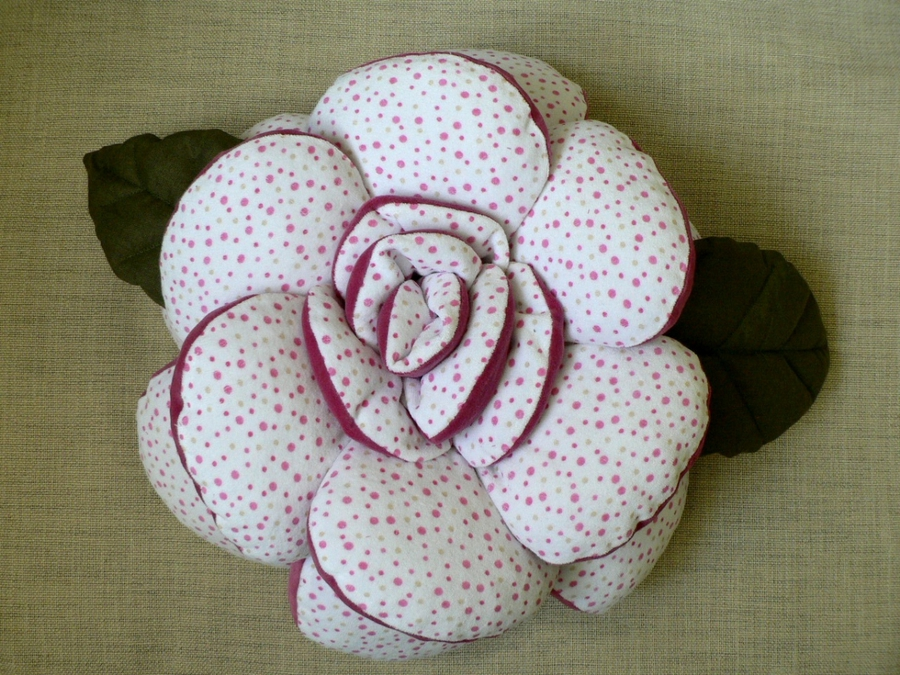 Подушка роза сшить своими руками