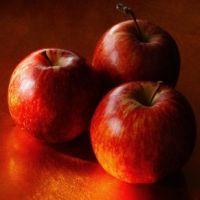 Приворот на красное яблоко: правила проведения и