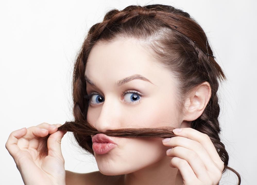в носу волосы что делать