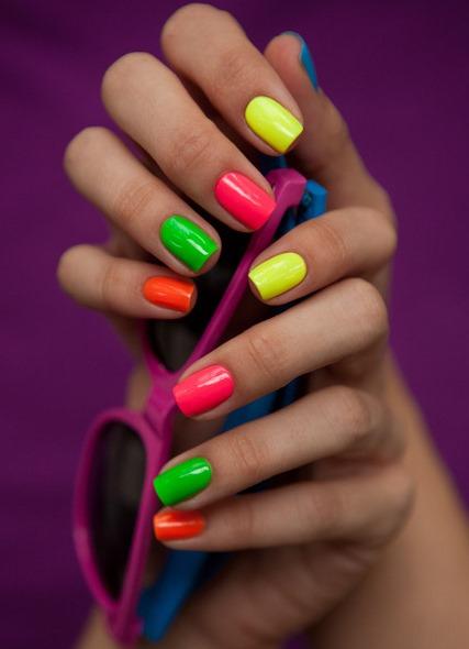 Разноцветный педикюр сочетание цветов