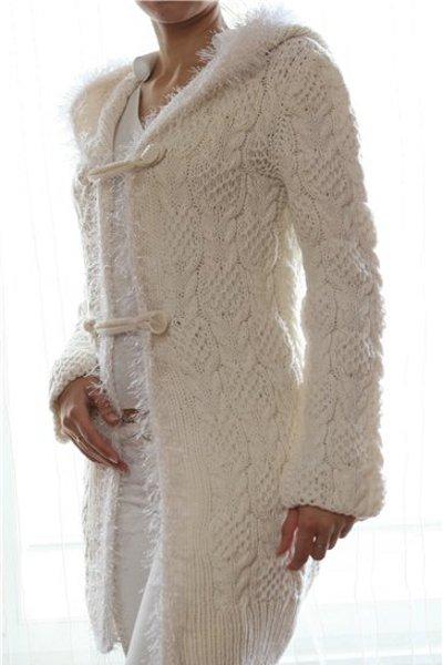 Рубрики: Вязание спицами/Кардиганы, пальто разнообразными ажурными