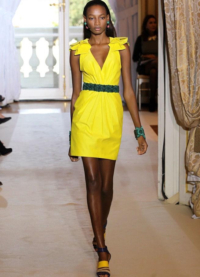Платье короткое из шелка фото