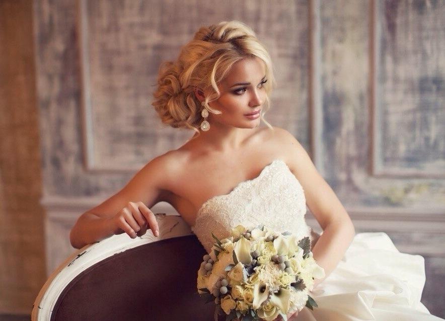 Самая стильная свадебная прическа