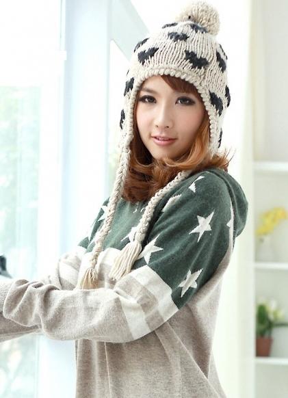 Молодежные шапки для девушек