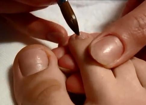 Наращивание ногтей на ногах пошагово 2