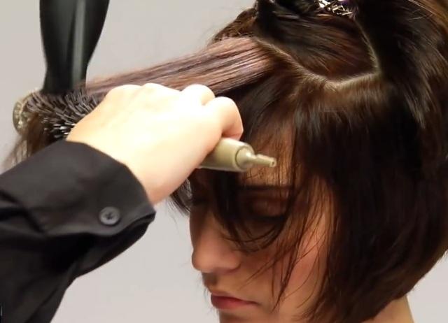 Укладка волос феном.видео
