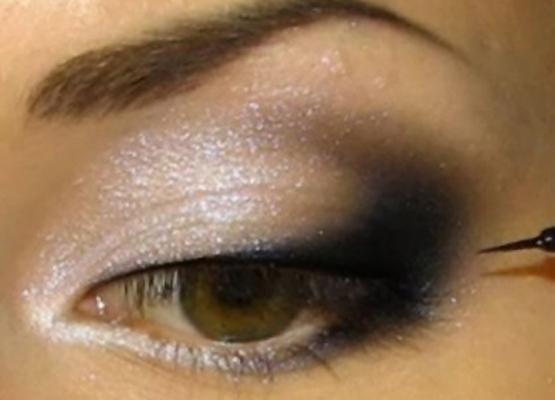 Макияж глаз с белыми и черными тенями