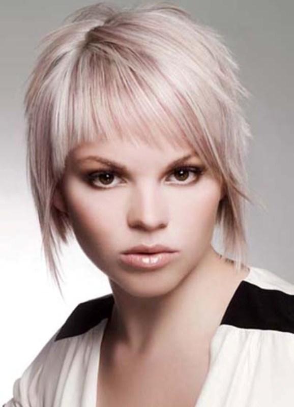 Смотреть Как быстро и красиво уложить короткие волосы: 3 простых варианта видео