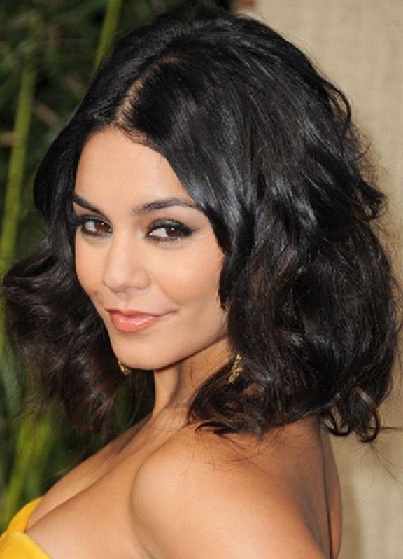 градуированное каре для вьющихся волос