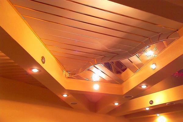 Потолок из пластиковых панелей двухуровневый 155