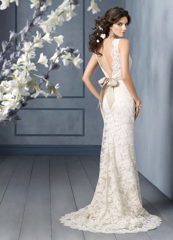 Свадебное платье из кружева облегающее