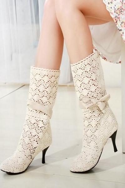 Весенние сапожки на каблуках