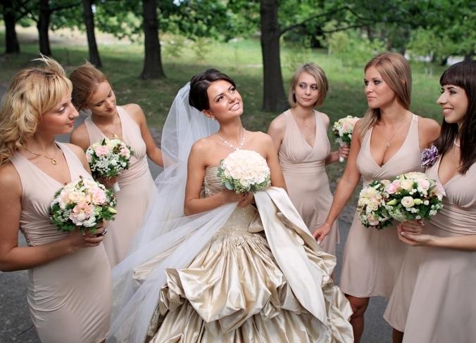 Прическа для гостей свадьбы