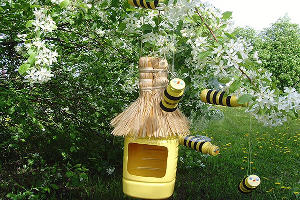 Как сделать пчел из пластиковых бутылок своими