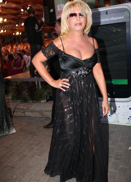 Ирина аллегрова в юбке