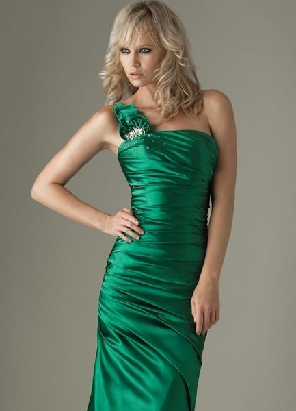 Платье изумрудный атлас