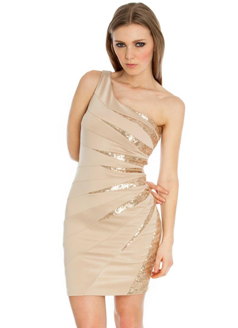 Шифоновое короткое платье на одно плечо