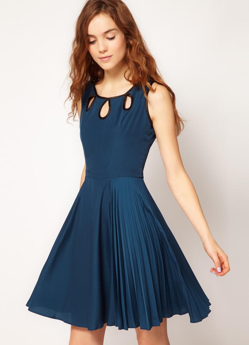 Короткое платье плиссе