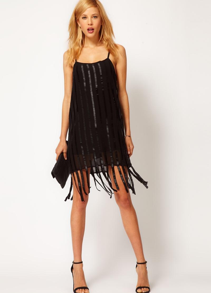 Вечернее платье с висюльками 126