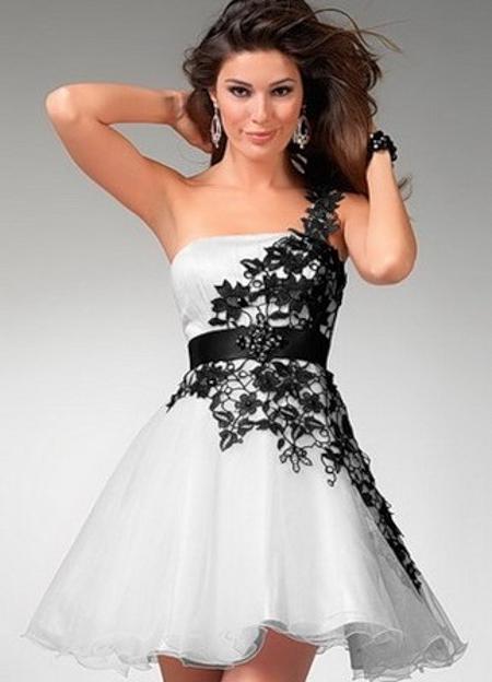 Платье с корсетом и пышной юбкой фото