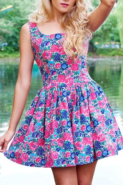 Цветочек на платье