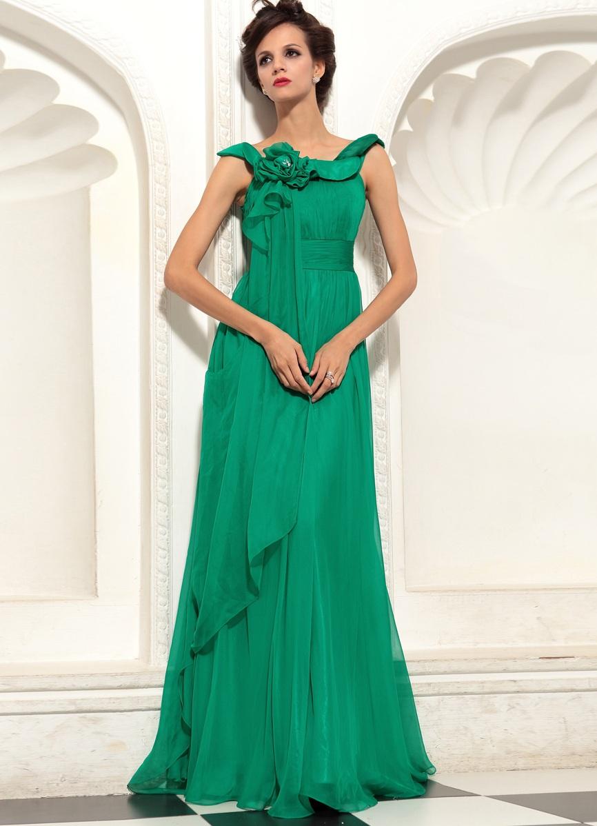 Модели зеленого платья