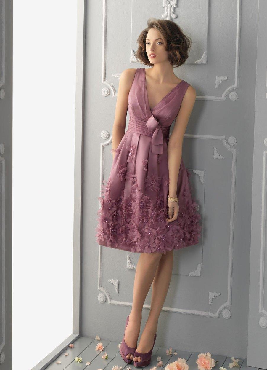 платья из атласа? С чем носить платья
