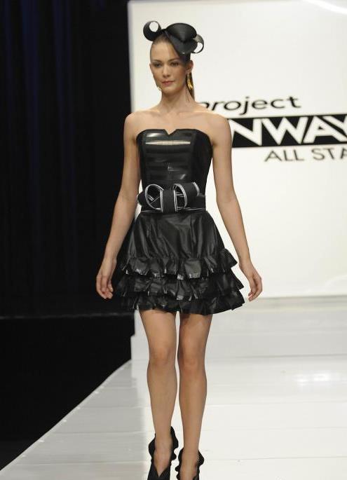 Какие платья можно сделать с мусорных пакетов
