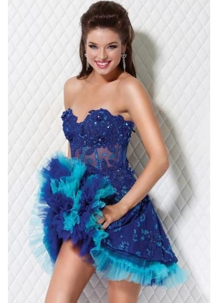 С цветами платья на новый год