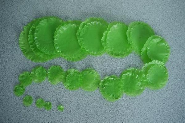 Елка из полиэтиленовых пакетов своими руками