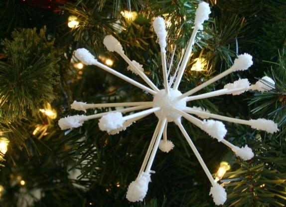 Плоская снежинка из бумаги