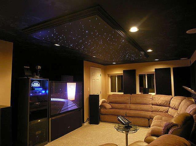 Звездное небо на потолке в интерьере фото