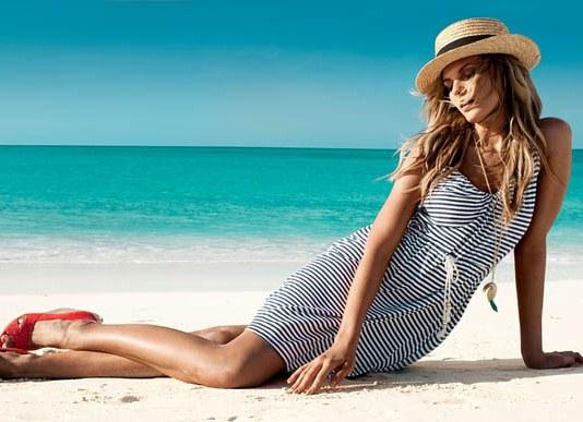 красивые позы на пляже для фото