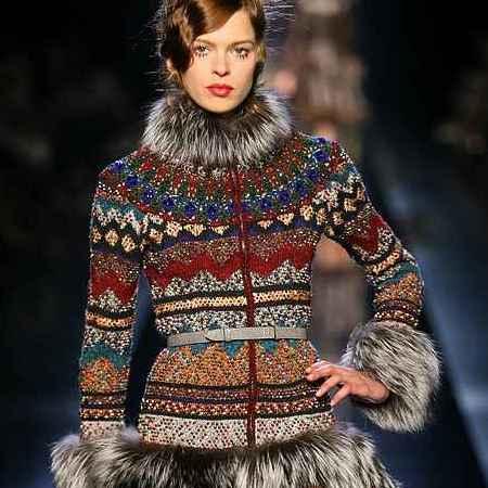 Однако русские народные мотивы используются не только в одежде или аксессуарах.  Макияж в русском стиле призван...