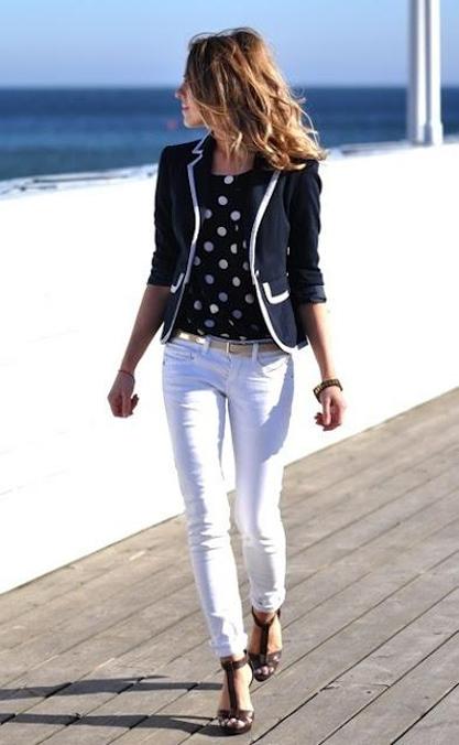 Вобтягивающих белых штанах фото 645-640