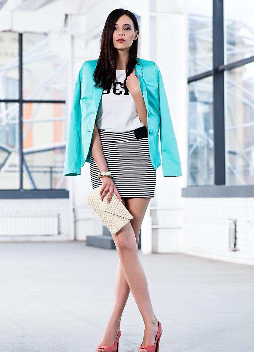 Бирюзовый пиджак с каким платьем