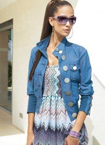Джинсовый пиджак с вышивкой женский