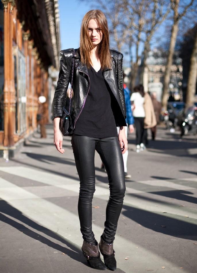С чем носить леггинсы с кожаными