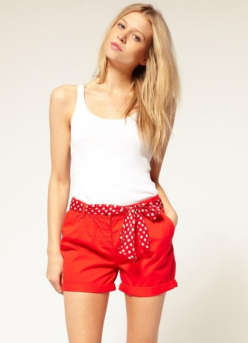 красные шорты спортивные женские