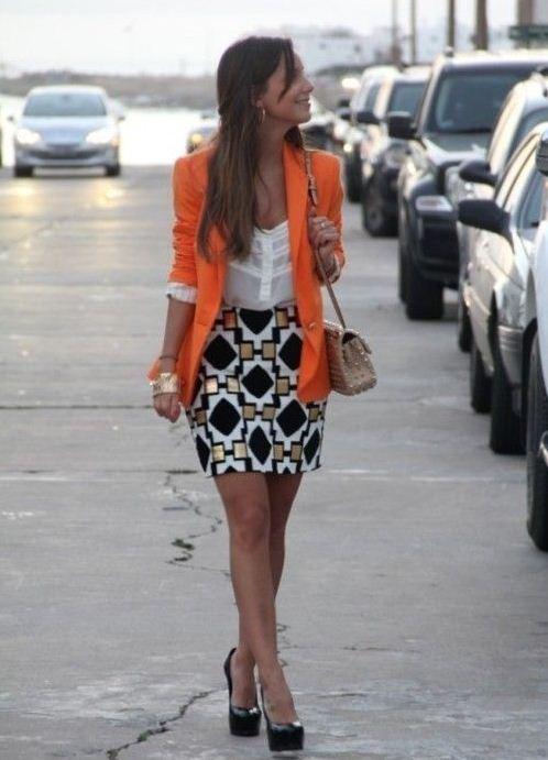 С чем одеть оранжевый пиджак