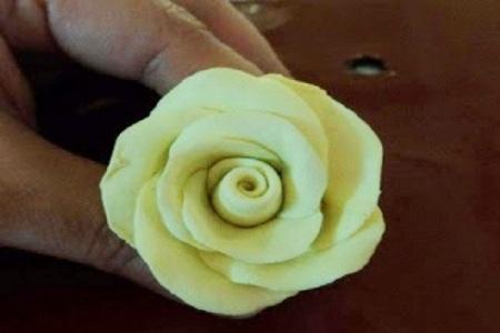 Съедобные цветы из теста 7