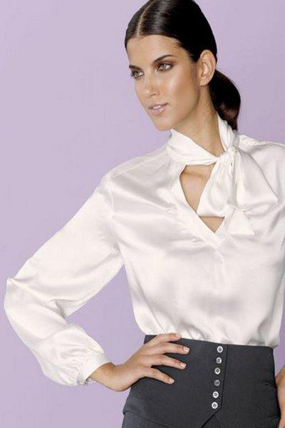 Деловая блузка из шелка