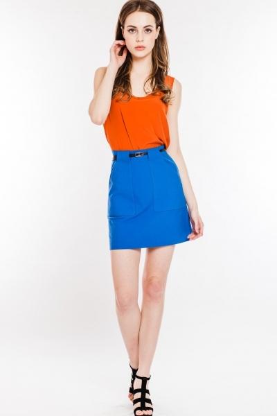 Синяя юбка и бордовая блузка